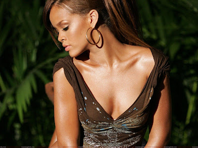 rihanna_very_beautiful_wallpaper_sweetangelonly.com