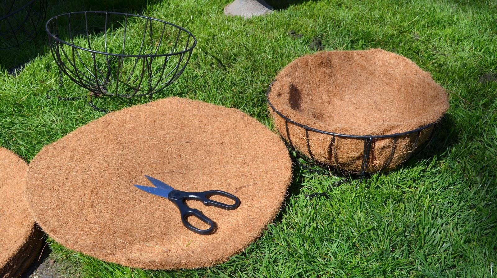 Basket Making Materials : Creating hanging baskets