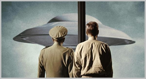 La Tierra contra los platillos volantes, 1956