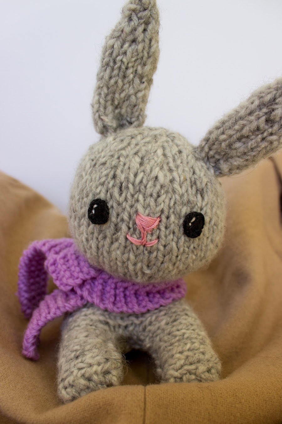 Amigurumi Knit Animals : Making It Well: Knitted Bunny