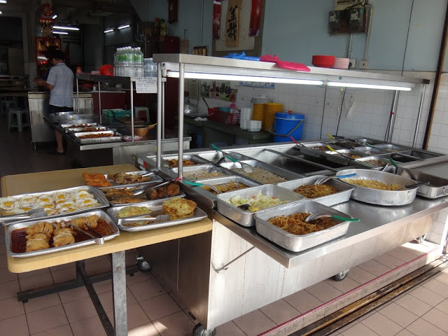 The economical Chinese dishes which is served with rice at a Chinese stall / restaurant in my neighbourhood at Taman Overseas Union, Kuala Lumpur, Malaysia.