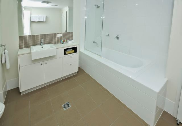 Apartments G60 Gladstone bathroom