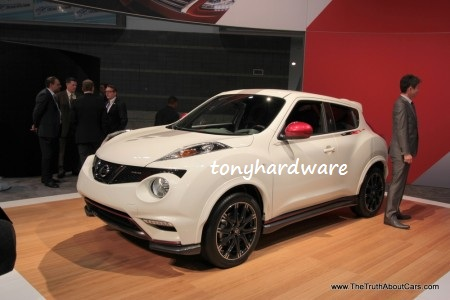 the nissan juke is a mini sport utility vehicle suv produced by the