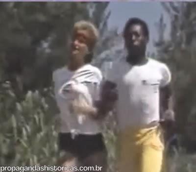 Propaganda da Francisco Xavier Imóveis - Pelé e Xuxa juntos nos anos 80.