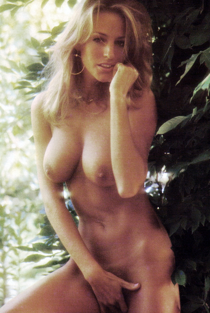 Ginger lynn allen lois ayres gina carrera in classic sex - 2 4