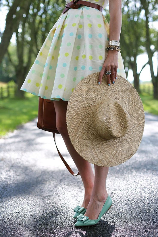 street style: lovely colorful polka dot skirt with straw hat