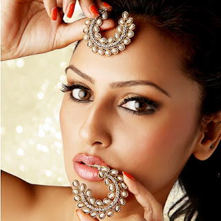 model with jewelry photography