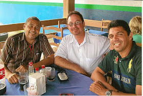 Encontro de amigos no Restaurante Tropical