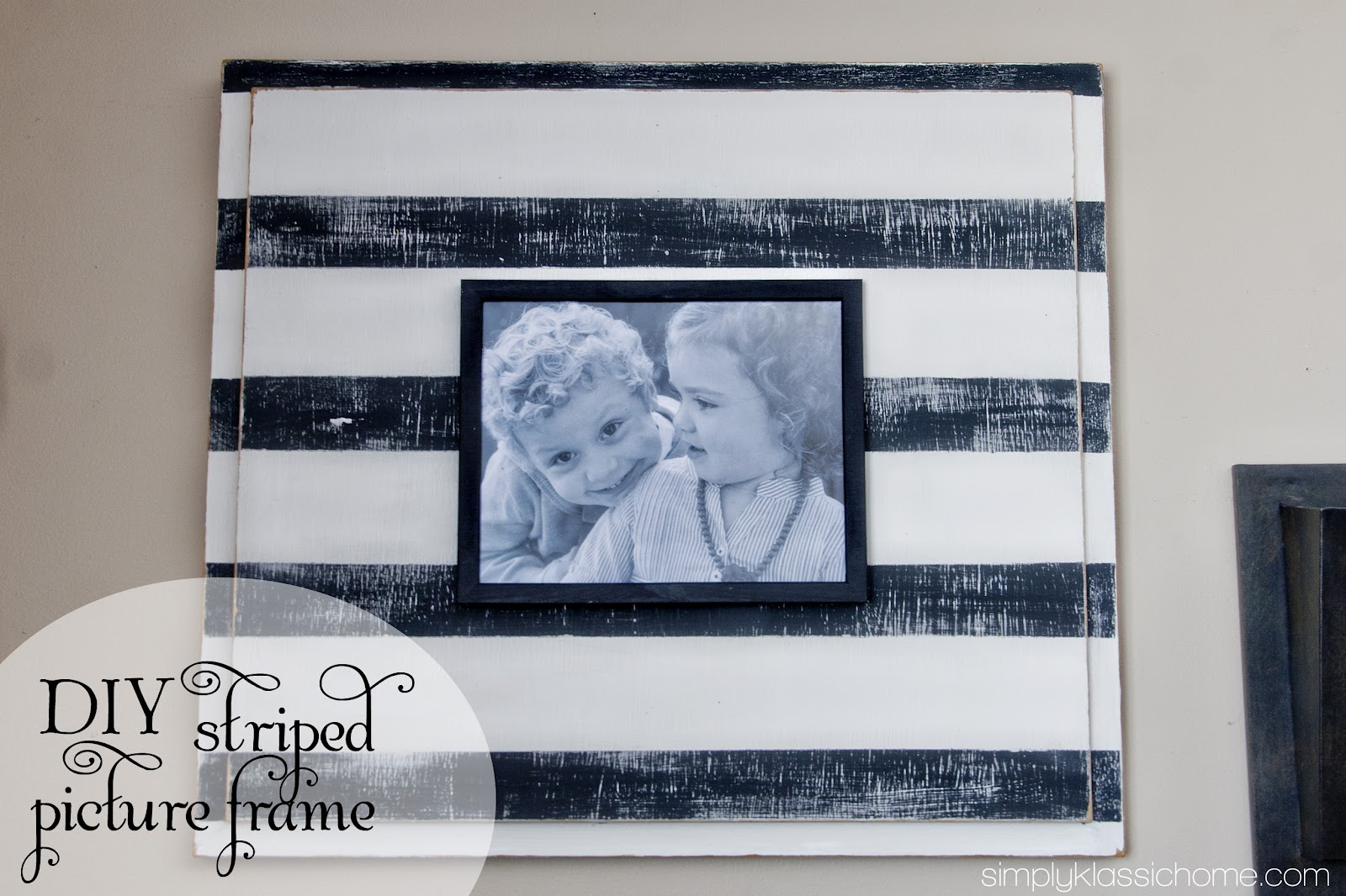 DIY Striped Picture Frame - Yellow Bliss Road