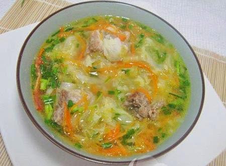 Thực đơn giảm cân đơn giản với súp bắp cải