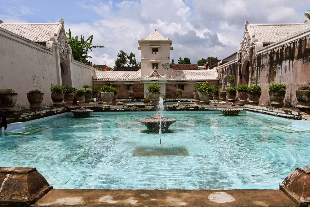 DELUXSHIONIST'S SOUTH EAST ASIA TRAVEL WISHLIST 2015 TAMAN SARI YOGYAKARTA