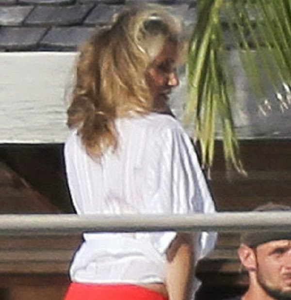 English:Cameron Diaz Red Bikini Vogue Saint Barthelemy January‭ ‬31,‭ ‬2014‭