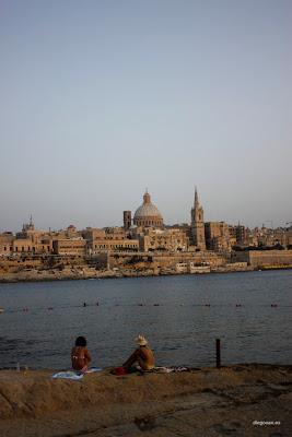 dfhoto publica tus fotos Foto panorámica de Valleta desde Sliema en Malta
