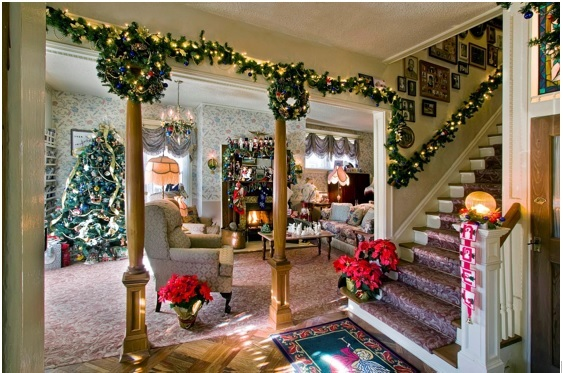 ideas to light the house at christmas, how to put lights in house for christmas