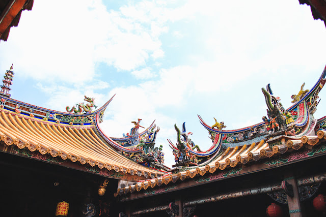 temple rooflines topped with dragons | Beipu, Taiwan