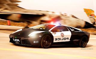mobil polisi lamborghini
