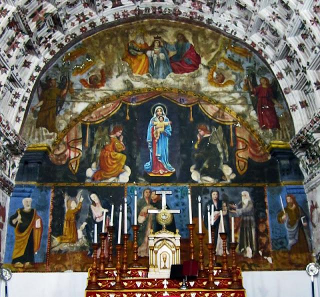 paintings and murals at ancient kerala church