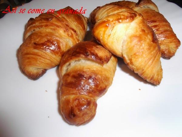 Croissants con hojaldre fermentado