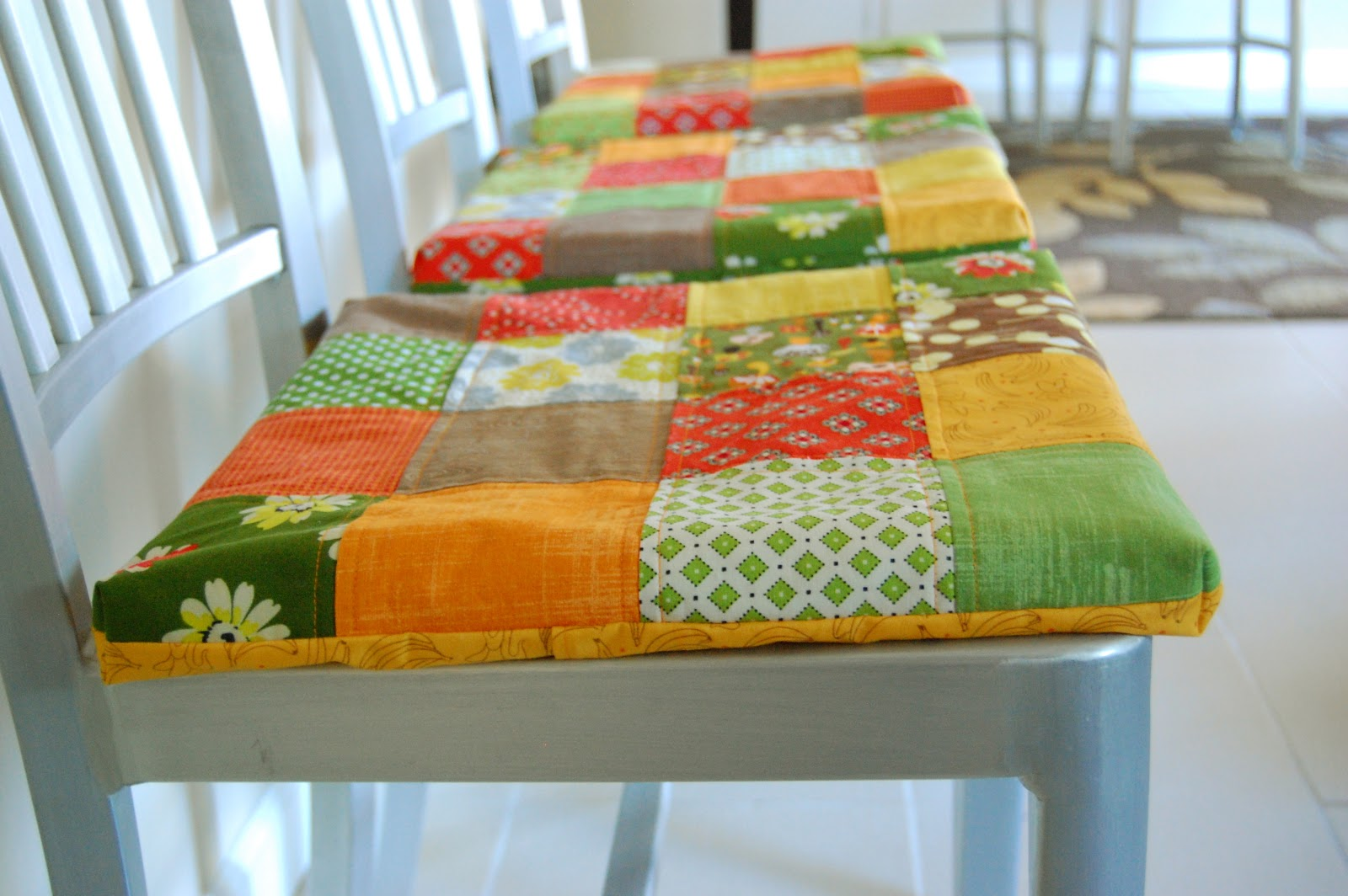 The Brown Needle: non-slip patchwork seat cushions- a tutorial