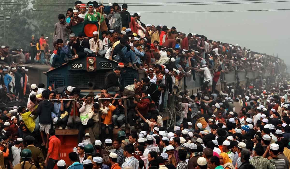 Тлпой в поезде 6 фотография