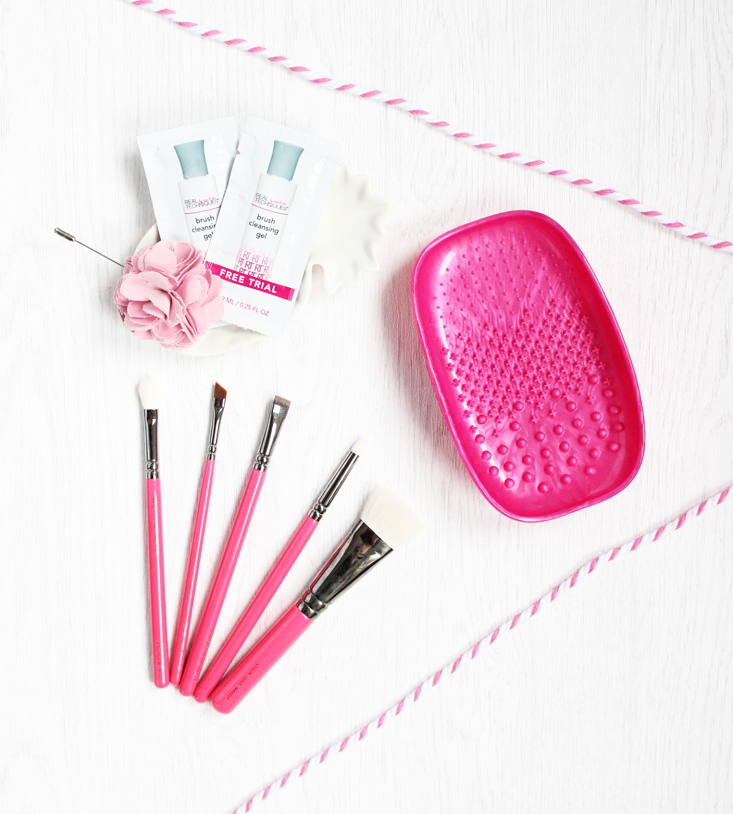 Real Techniques brush cleaning palette review
