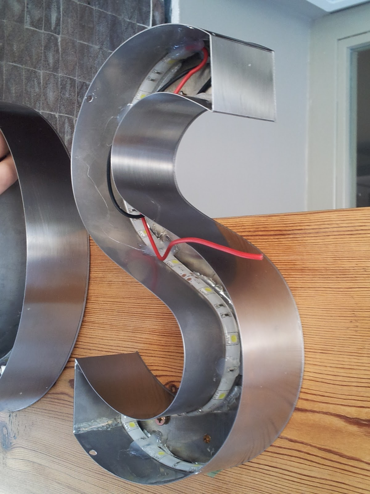 Letras corp reas letras de leds 96150 63 00 letras acero - Fabricacion letras corporeas ...
