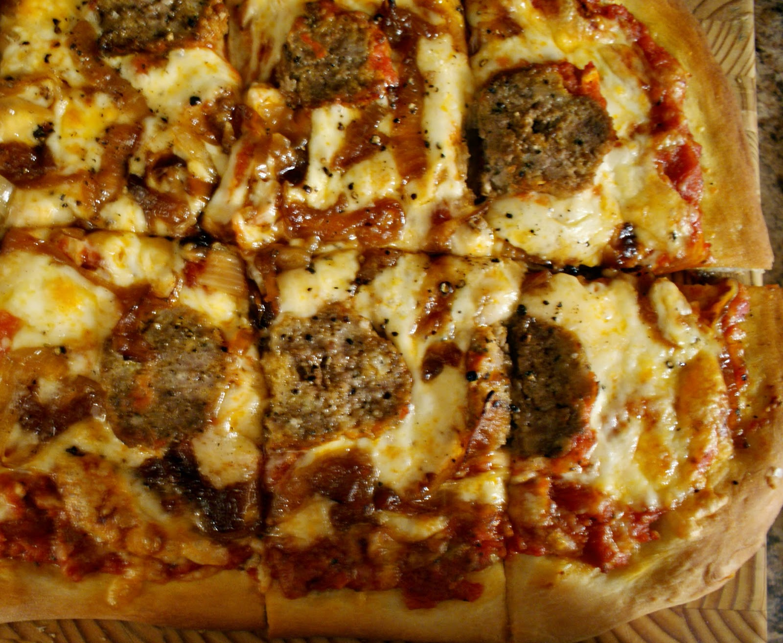 Piccante Dolce: Leftover Meatballs, make delicious pizza!