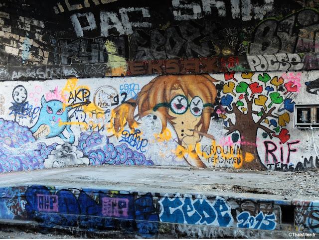 street art john lennon petard joint gare de saint-ouen à Paris