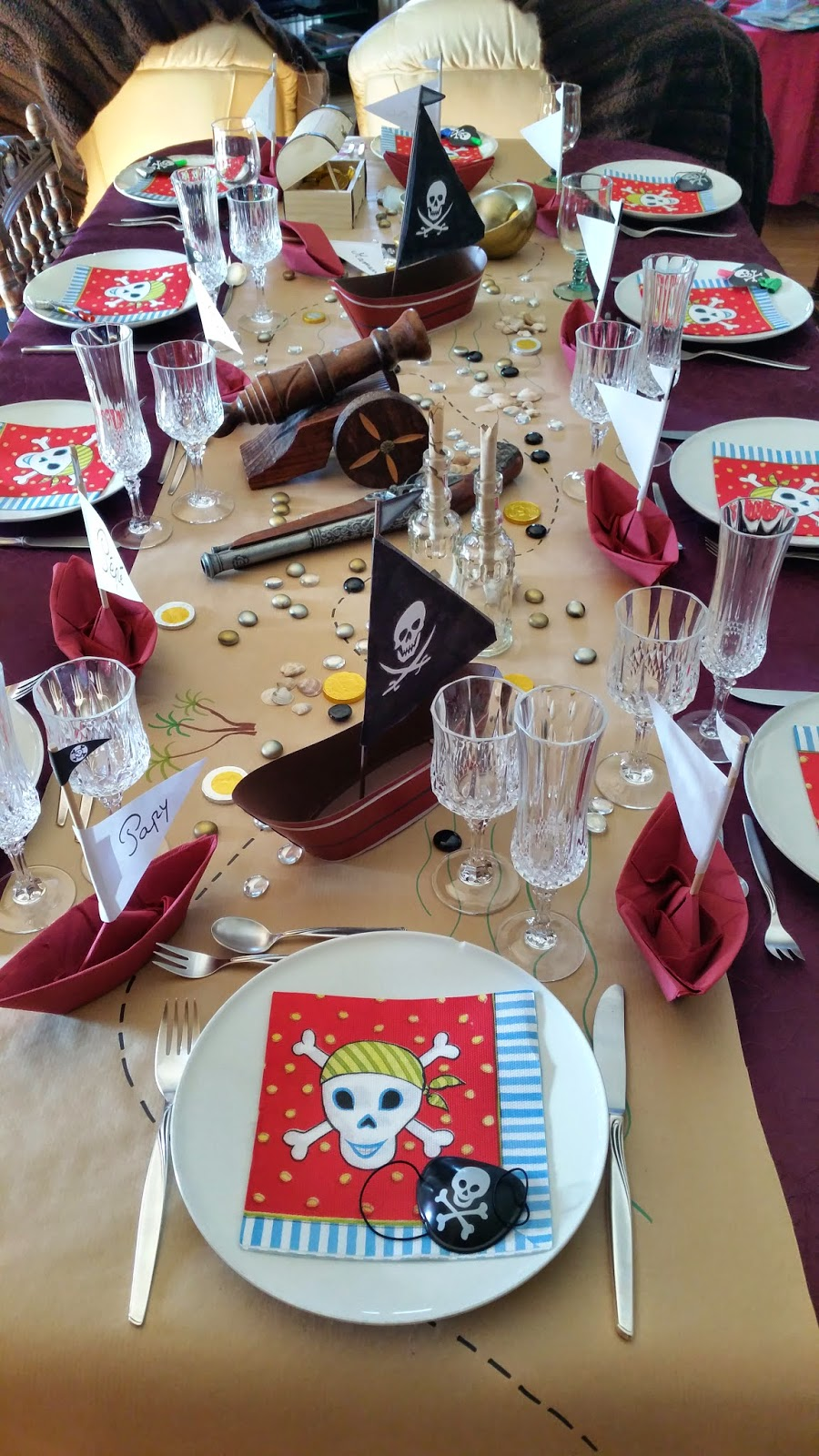 aujourd 39 hui j 39 ai un anniversaire pirate pirate birthday party. Black Bedroom Furniture Sets. Home Design Ideas