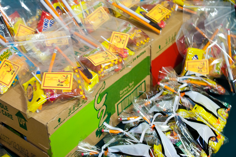abandoned, children, baloons, CONTEST, ENTRIES, Promos, Winnings, drinks, icetea, loot packs, online, typhoon, ipad, cash, philippine, pesos, bill, c2, boxes