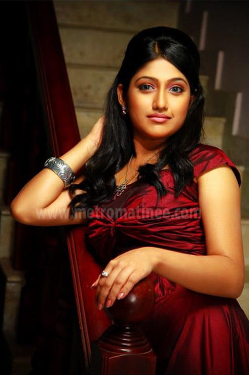 Akhila Sasidharan Tv Anchor Karyasthan Fame Actress Sexy ... Naan Avan Illai 2
