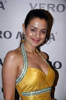 AmIsha Patel Sizzles