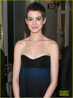Oscar winner Anne Hathaway broke down in tears at a charity event
