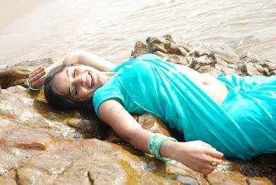 madhavi latha new beach actress pics
