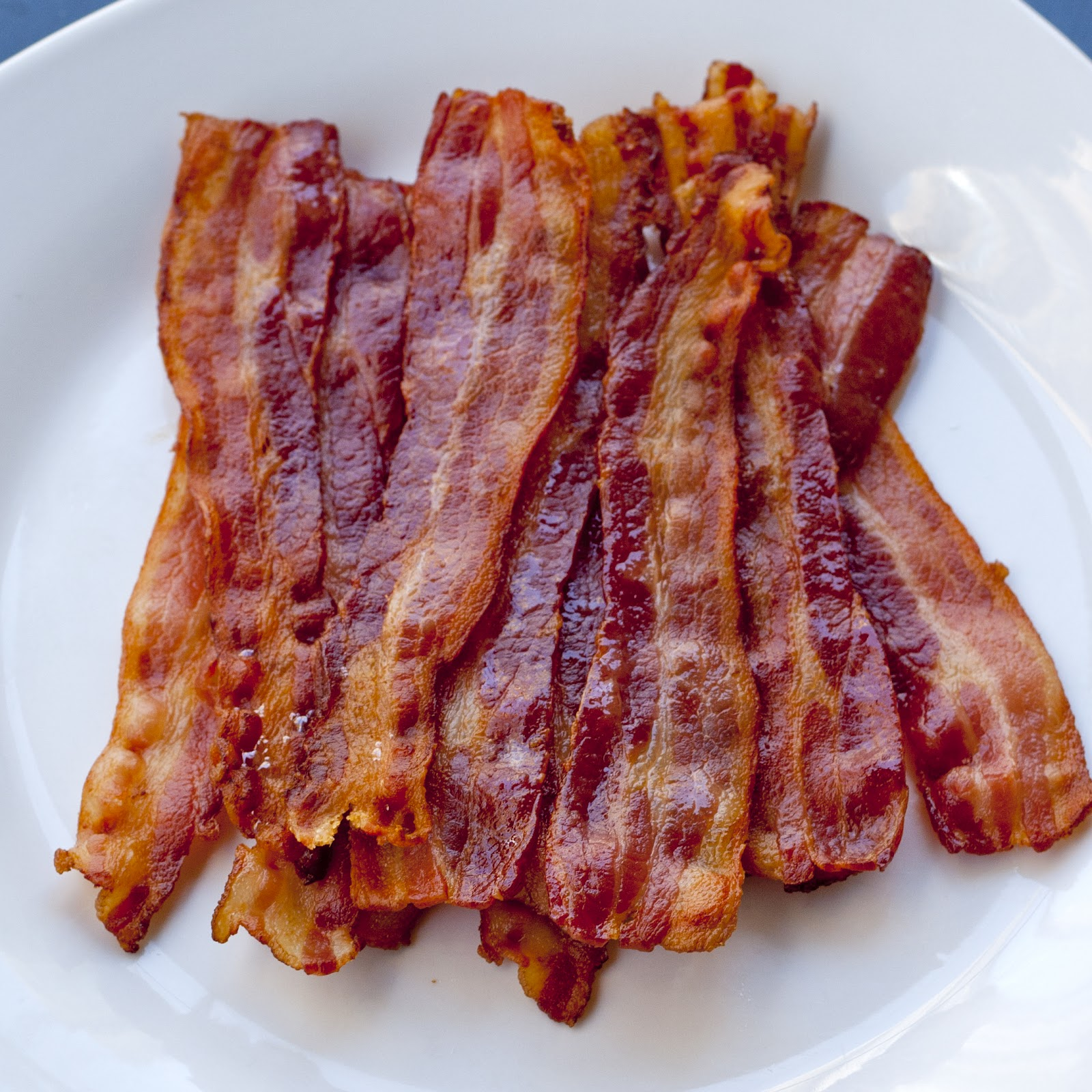 improvKitchen_howToCookBacon_00.jpg