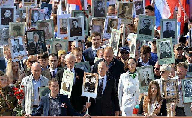 Putin dẫn đầu cuộc tuần hành của Lữ đoàn Vĩnh cửu