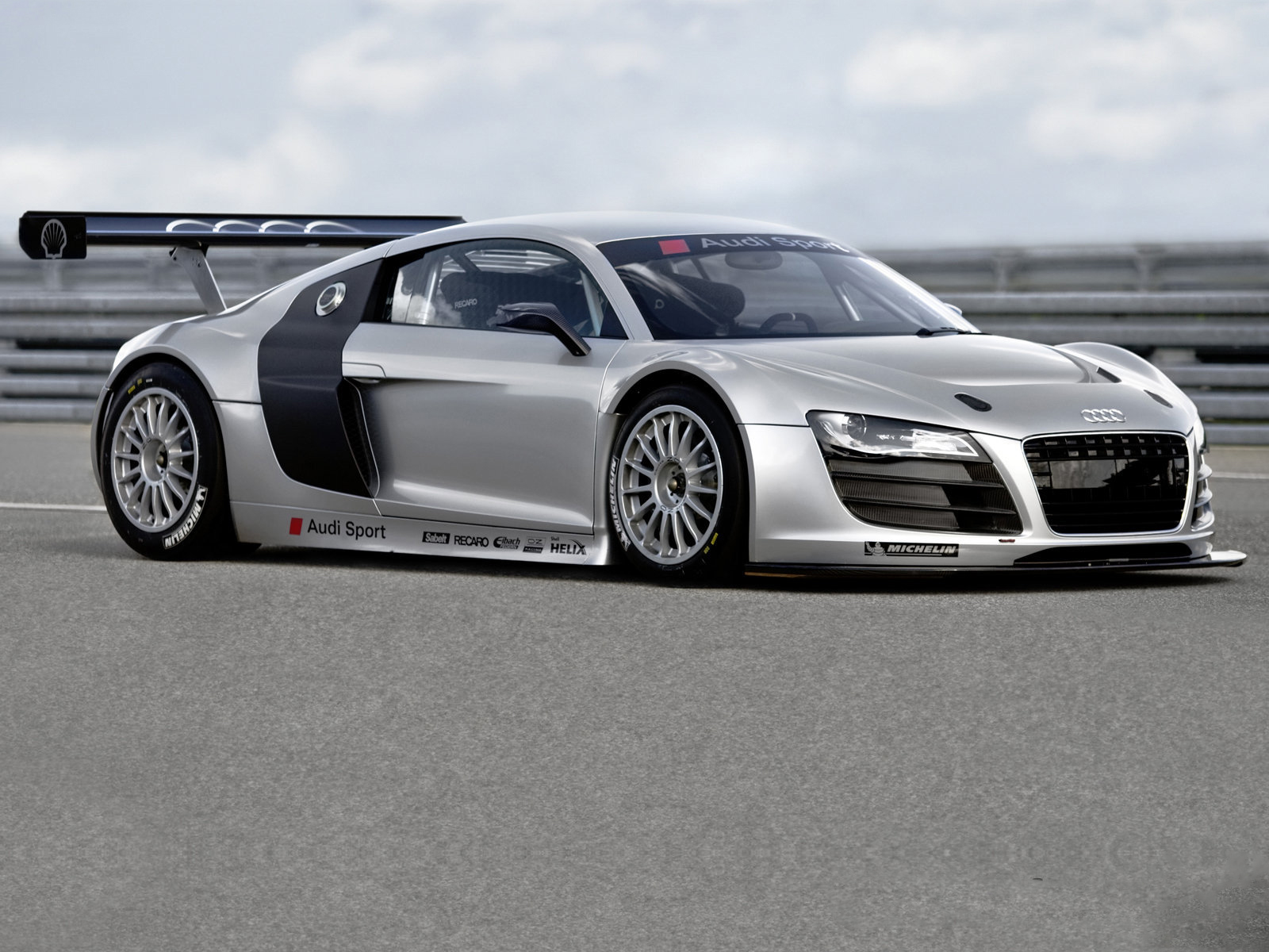 Audi r8 gt3 front angle