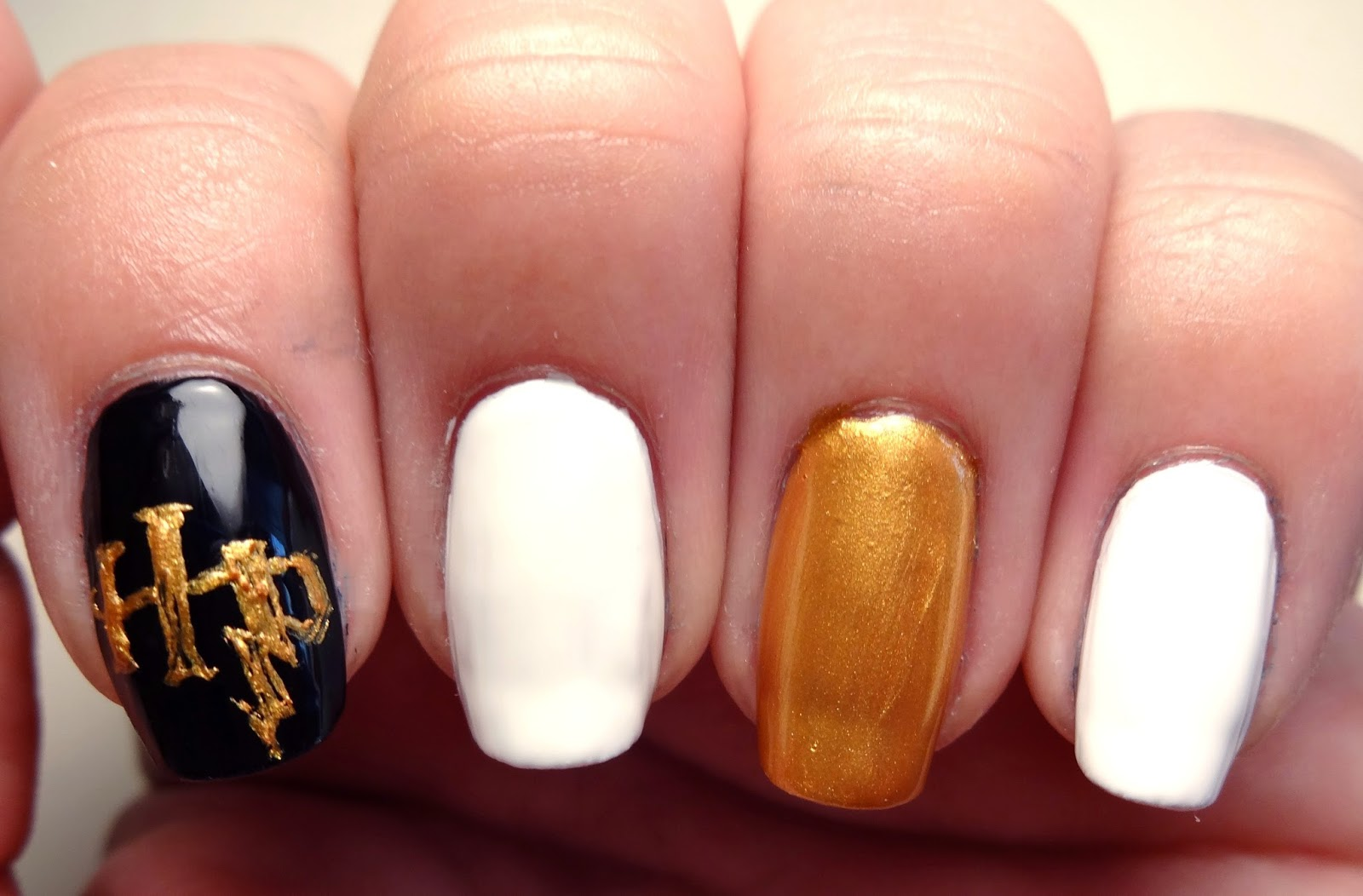 Harry Potter Logo Nail