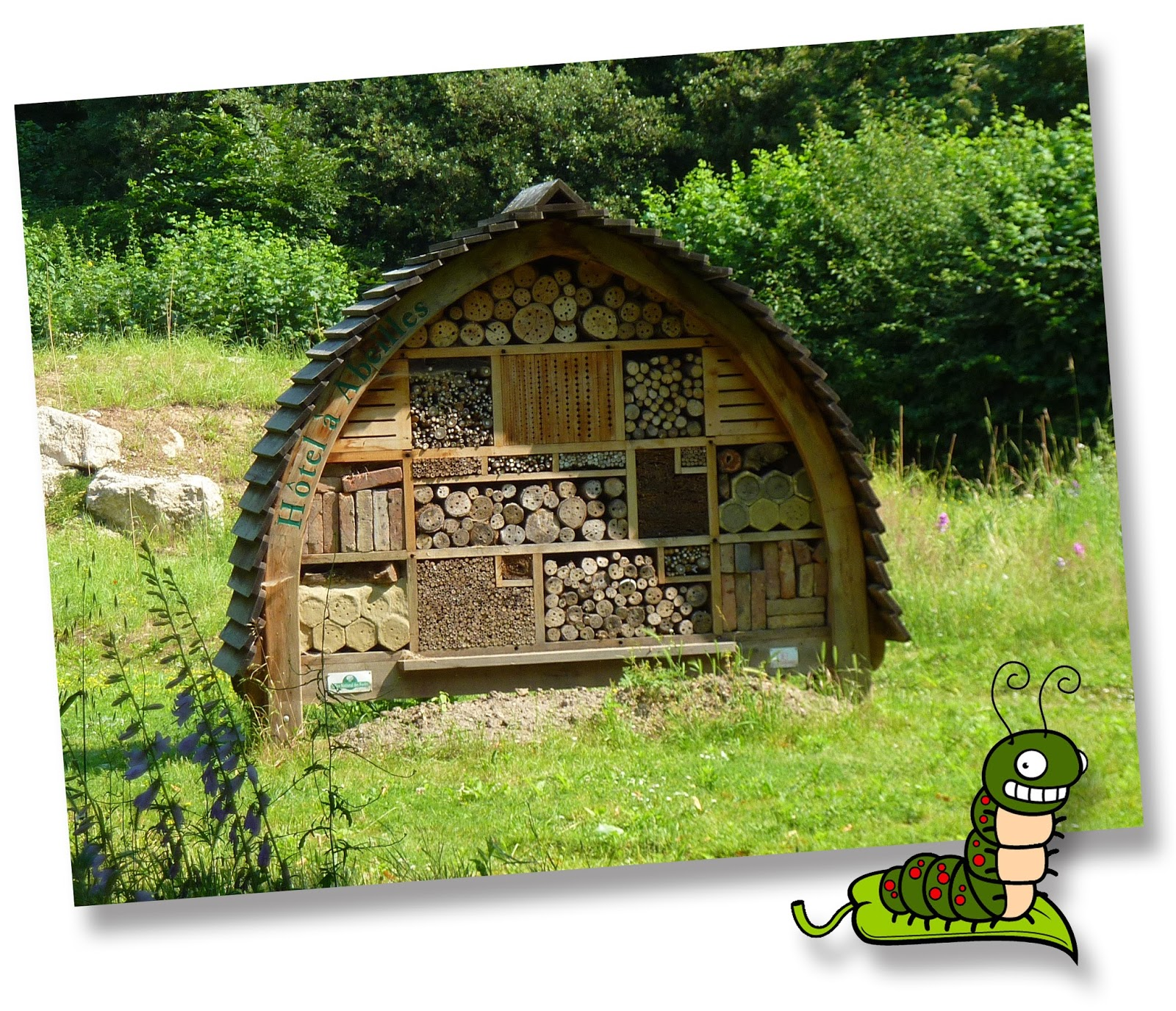 Entre pinos y sembrados hoteles para insectos for Insectos del jardin
