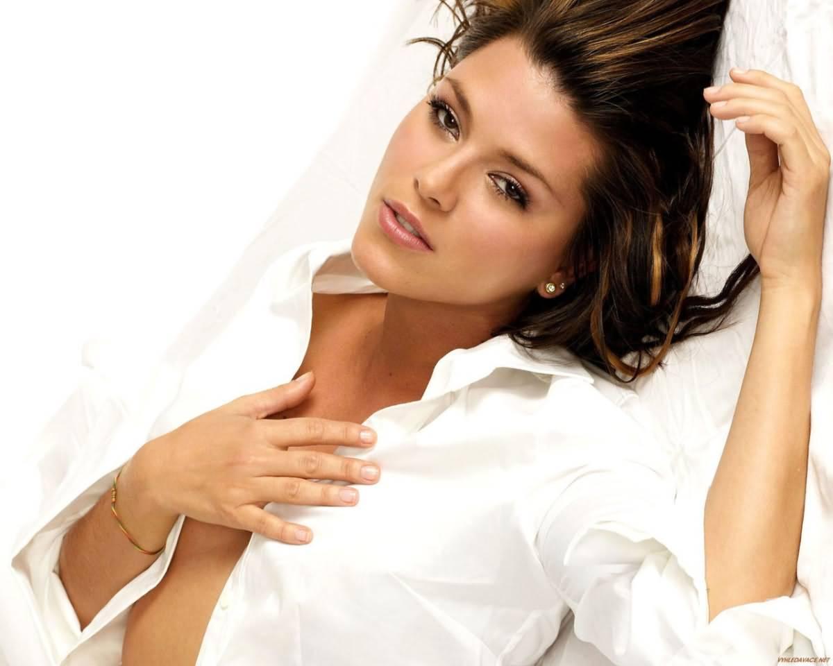 http://1.bp.blogspot.com/-k-UArkib1GA/T1MZxfLt86I/AAAAAAAAOVw/owVpJov2jYE/s1600/alicia-machado+sexy+girl.jpg
