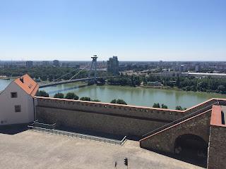 näkymä linnasta joelle