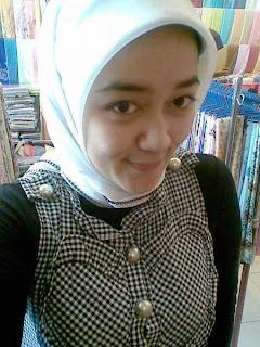 Cerita Ngentot Cewek Jilbab Cantik Mesum Di Anak Gadis