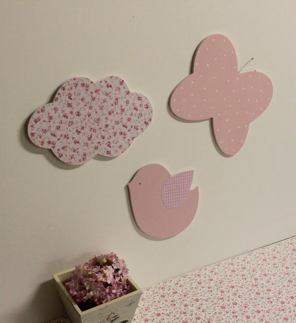 silueta-infantil-decoracion-infantil-pintada-mano-mariposas-nubes-pajaritos
