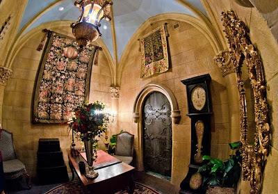Keadaan Di Dalam Istana Walt Disney Untuk Pemiliknya