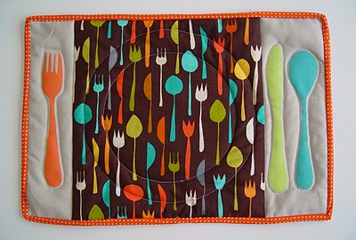 sewVery: Christmas Present Placemat Tutorial