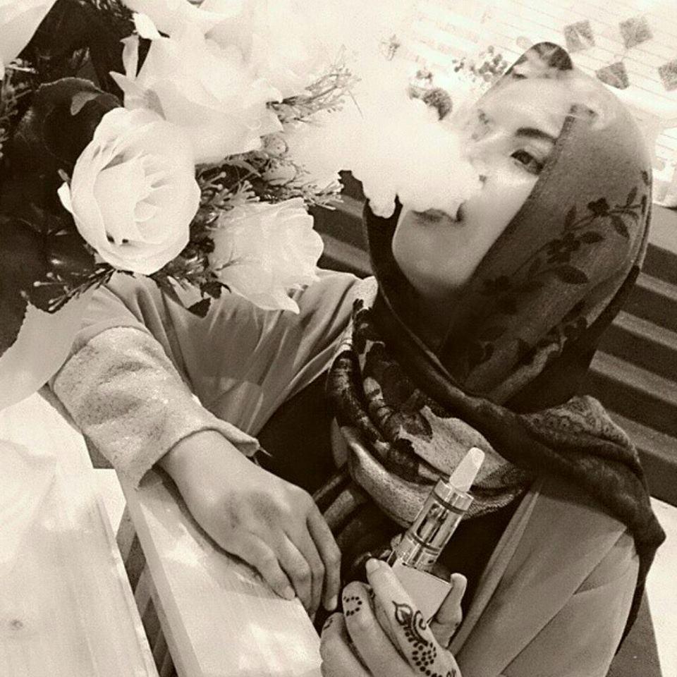 kutukan dewata asap beracun si anak gadis
