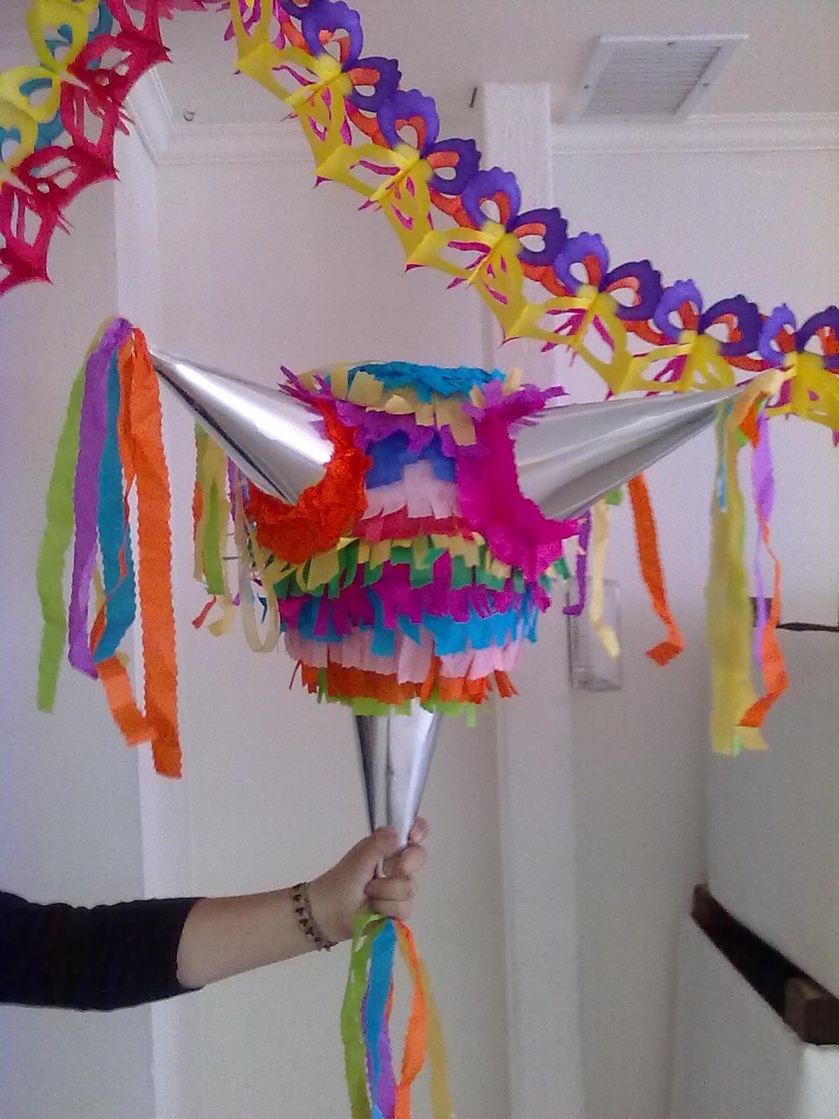 Doki souvenirs y cake ideas and designs for Decoracion mexicana