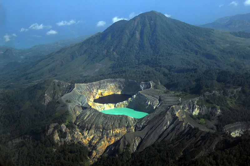 Kelimutu Mountain and Lake Flores is Most Beautiful Scenery in the World, Kelimutu Mountain and Lake Flores are Most Beautiful Scenery in the World