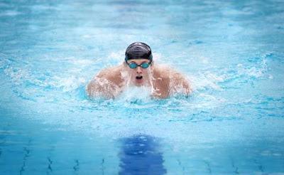 Stili e consumo calorico del nuoto