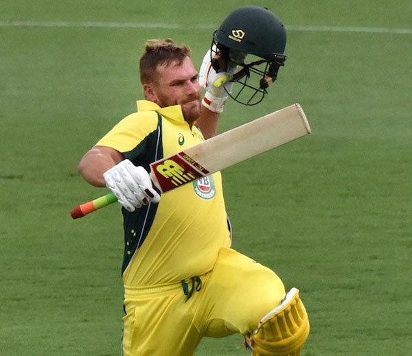ऑस्ट्रेलिया ने चौथे वन डे मेच में भारत को दिया 349 रनों का लक्ष्य